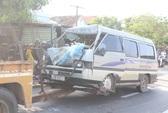 Tông đuôi xe tải, phụ xe khách tử nạn