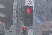 Úc: Tín hiệu giao thông hình phụ nữ gây tranh cãi