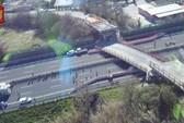 Ý: Sập cầu vượt, đè chết cặp vợ chồng đang tới bệnh viện