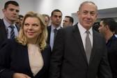 Thủ tướng Israel bác tin bị vợ đuổi ra khỏi xe