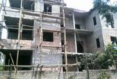 Cán bộ xây nhà tiền tỉ vẫn được hộ nghèo