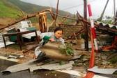 Cận cảnh trường học tan hoang, nhà cửa đổ nát sau bão ở Quảng Bình