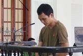 Bị cáo đâm chết người khóc nức nở trước khi tòa tuyên án