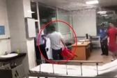 Vụ giám đốc tát nữ bác sĩ: Phạt chủ tịch phường 300.000 đồng