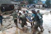 Lở bùn lúc rạng sáng, hơn 200 người mất mạng