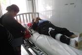 Cụ bà 88 tuổi bị gãy xương đùi khi đi cầu cá tra