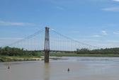 Bàng hoàng thấy 2 nữ sinh lớp 8 nắm tay nhau tự tử trên sông Lam