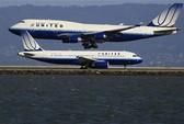 Lý giải vụ việc United Airlines kéo lê hành khách