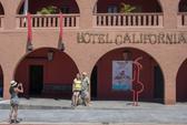 Ban nhạc Eagles kiện khách sạn