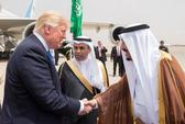 TT Trump tại Ả Rập Saudi: Nhận huân chương, ký hợp đồng vũ khí khủng