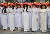 Đồng diễn áo dài trên phố đi bộ Nguyễn Huệ