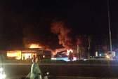 Hơn 1 giờ cứu cây xăng khỏi đám cháy trong đêm