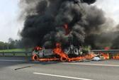 Xe khách cháy ngùn ngụt trên đường cao tốc TP HCM - Trung Lương