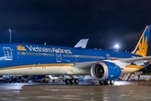 Máy bay Vietnam Airlines đi Pháp chậm 9 giờ để cấp cứu khách