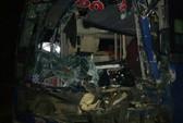 Xe khách chở 30 người mất phanh khi đổ đèo Lò Xo