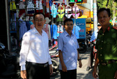 Lãnh đạo quận Tân Phú đi vận động, đòi vỉa hè