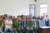 Đàn em Năm Cam được ngồi nghe luận tội vì sức khỏe yếu