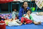 Nụ cười người dân Cần Giờ ở khu tránh bão số 16 (Tembin)