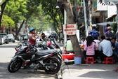 TP HCM: Vắng đoàn kiểm tra, vỉa hè bị tái chiếm