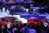"""Bất chấp """"bão"""" giảm giá, sức mua ô tô bất ngờ giảm mạnh"""
