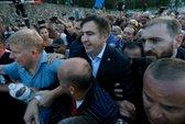 Cựu tổng thống Georgia xông vào Ukraine đòi quốc tịch