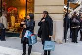 40 du khách Trung Quốc bị cướp xịt hơi cay tại Paris