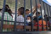Hàng chục tù nhân Trung Quốc ôm chăn vượt ngục tại Thái Lan
