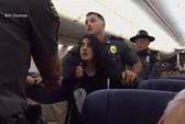 Mỹ: Cảnh sát dùng vũ lực ép nữ hành khách rời máy bay