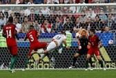 Ronaldo tịt ngòi, Bồ Đào Nha mất điểm trận ra quân