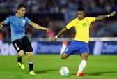 Hat-trick của Paulinho đưa Brazil đến World Cup