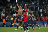 Neymar và Cavani lập công, PSG đè bẹp