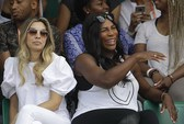 Serena bầu bì đến sân, Roland Garros