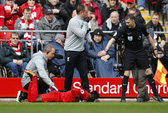 Mane chấn thương trong ngày Liverpool đại thắng