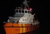 Chìm tàu cá, 2 người chết, 4 ngư dân mất tích