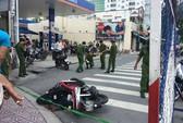 Hai thanh niên đâm nhau trên đường phố TP HCM