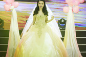 Thu Thủy chi 60 triệu đồng may áo cưới diễn trong