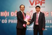 Bầu Thắng rút lui, bầu Tú làm chủ tịch VPF