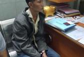 Bắt khẩn cấp kẻ kề dao cướp ở shop Sài Gòn
