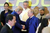 APEC 2017: Tổng thống Mỹ - Nga bắt tay vui vẻ