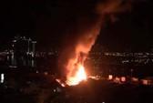 Cháy lớn trên giao lộ Hoàng Diệu- Nguyễn Tất Thành, quận 4