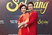 Uyên Trang rạng rỡ, hát đôi cùng Hồ Việt Trung