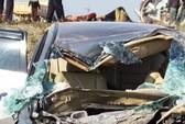Xe tải tông nát xe 4 chỗ, 2 người thương vong