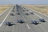 """Mỹ khoe cảnh 35 chiếc F-35 """"Tia chớp"""" xuất kích liên tiếp trong 11 phút"""