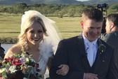 Cô dâu chú rể thiệt mạng ngay khi rời đám cưới