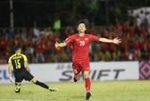 Dư luận Philippines sốc khi thủ môn Falkesgaard phải ngồi dự bị