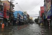 Quốc lộ, đường sắt qua Đà Nẵng bị tê liệt do ngập nặng