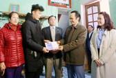 Ông Trịnh Văn Quyết về tận nhà Bùi Tiến Dũng trao thưởng 500 triệu đồng