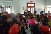 Đắk Lắk: Hàng trăm giáo viên phản đối vì bị chấm dứt hợp đồng