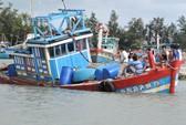 Tàu cá bị chìm ở Hoàng Sa, 8 ngư dân được cứu vớt