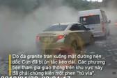 [Video] Kinh hoàng xe tải chở đá lao dốc kéo theo xe máy mất tích